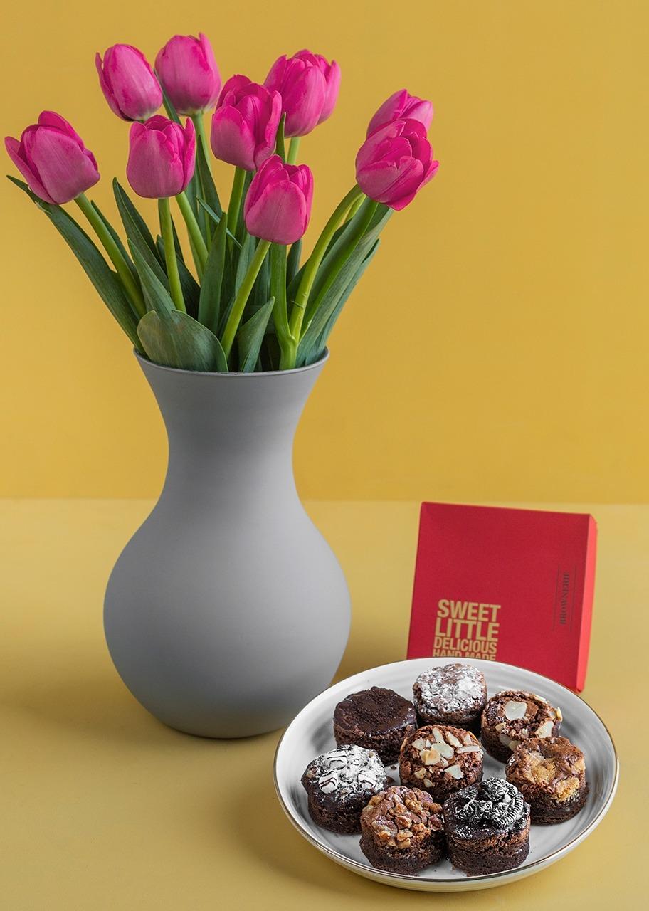 Imagen para 10 Tulipanes con Brownies 8 pz - 1