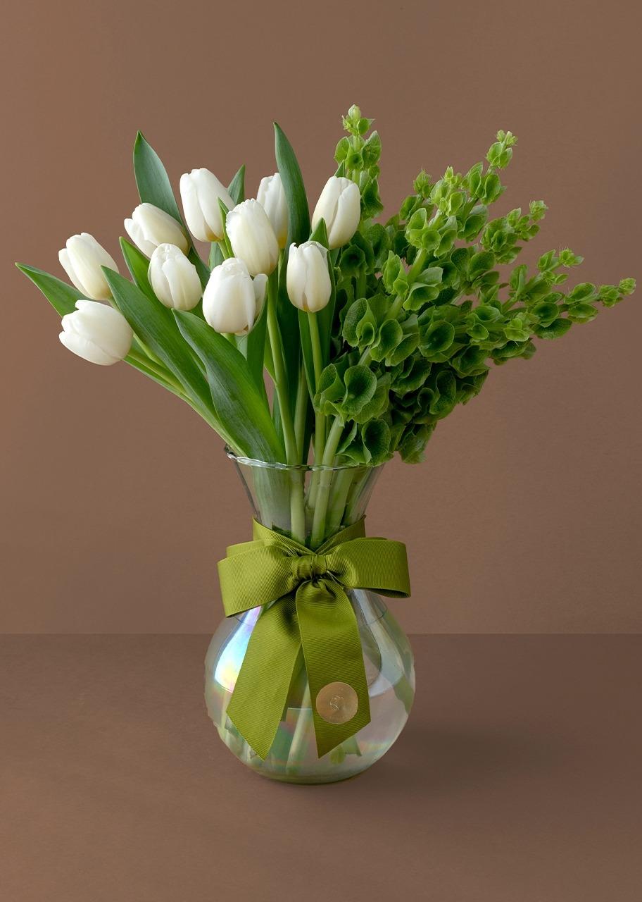 Imagen para 10 tulipanes blancos con campanita en jarrón tornasol - 1