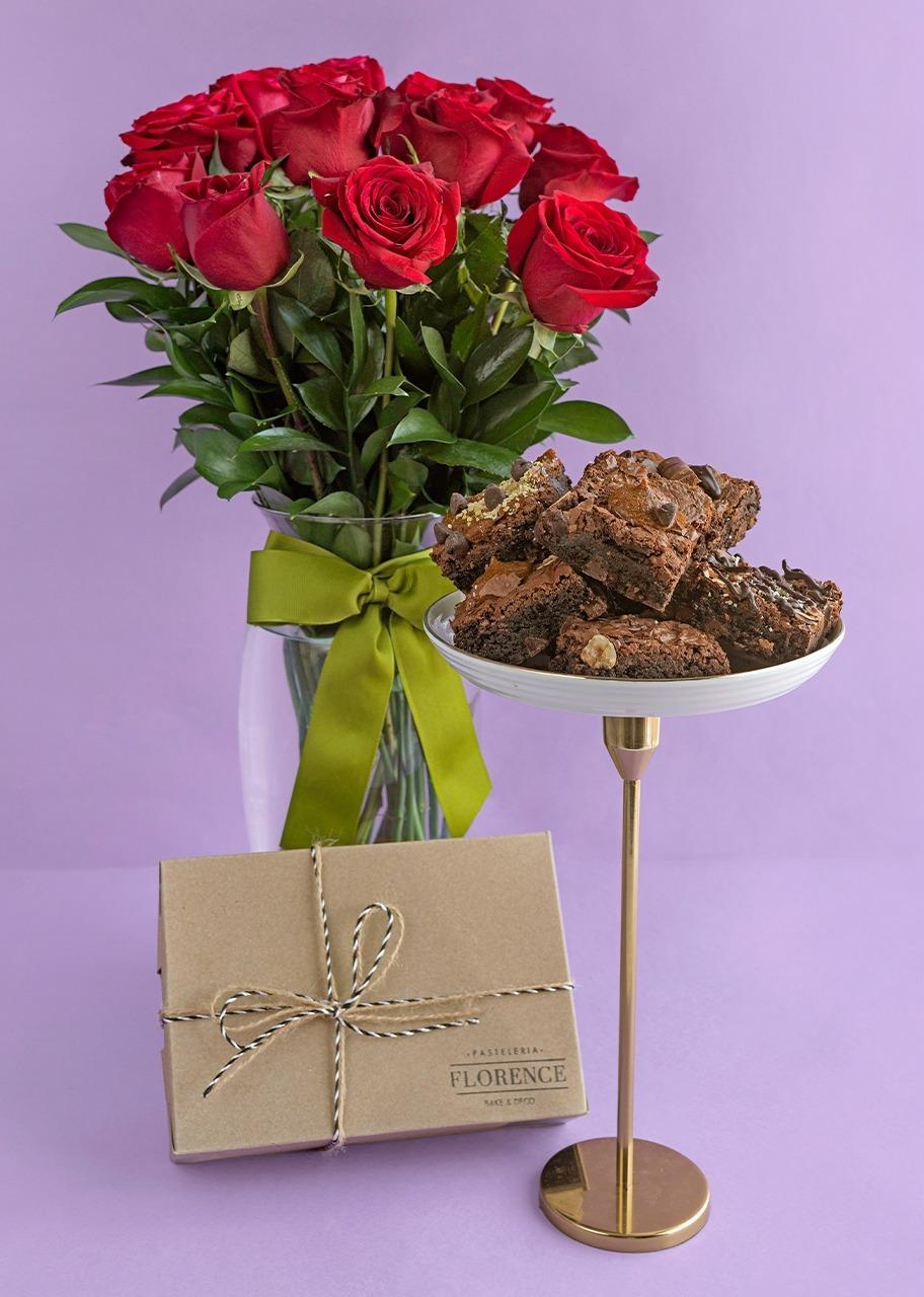 Imagen para 12 Rosas Rojas con 6 brownies - 1