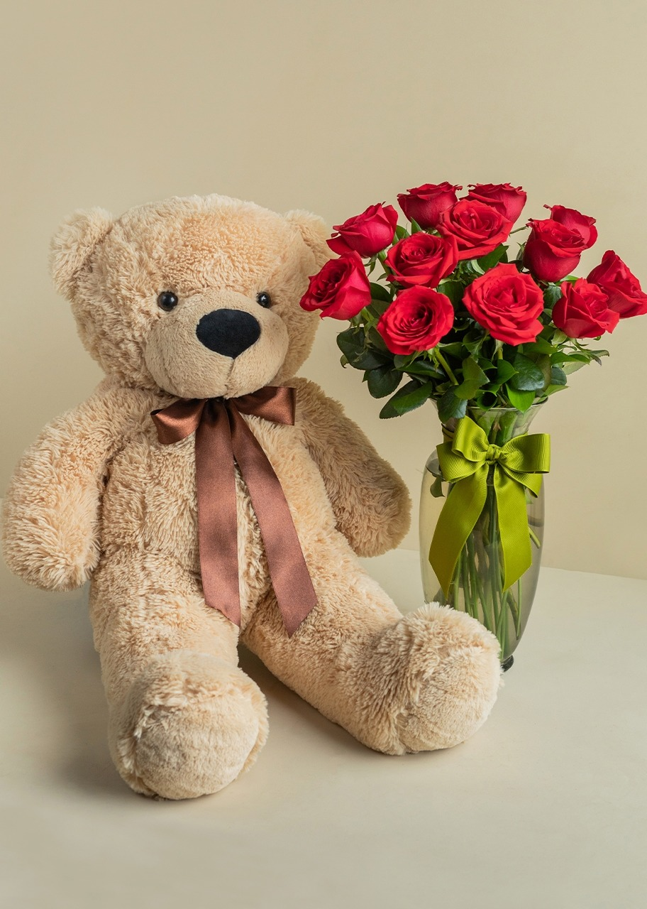 Imagen para Bear Stuffed Animal with Red Roses - 1