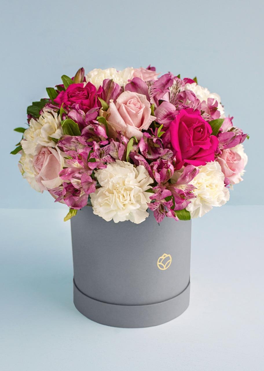 Imagen para 12 Rosas rosas y claveles en caja gris - 1