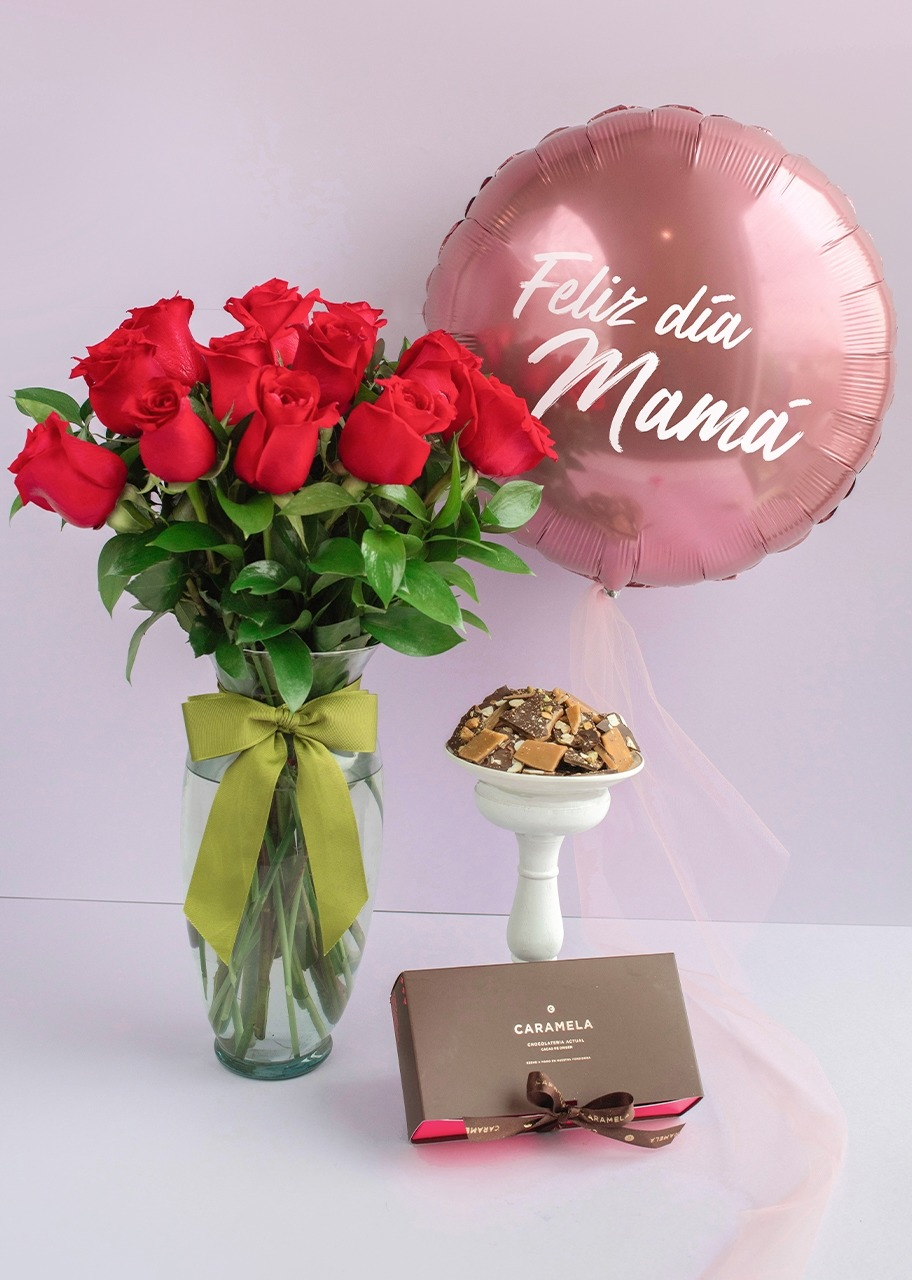 Imagen para 12 Roses with Toffee and Balloon - 1