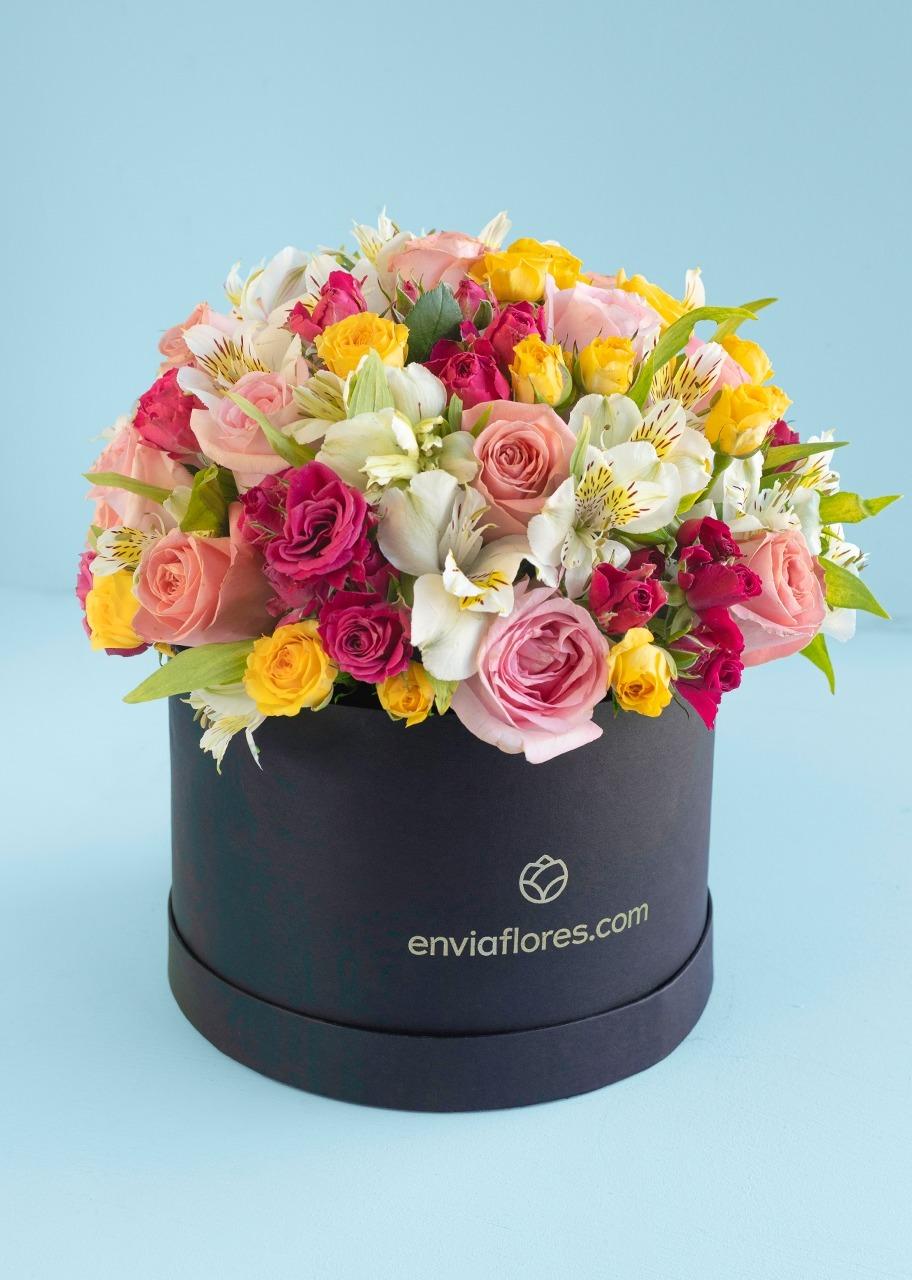 Imagen para 18 Rosas y Alstroemerias en Caja - 1