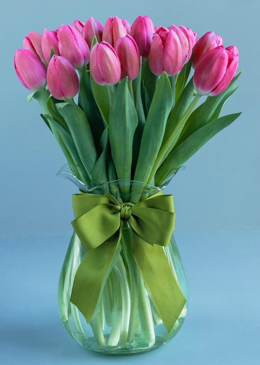 Imagen para 20 Pink Tulips in Vase - 1