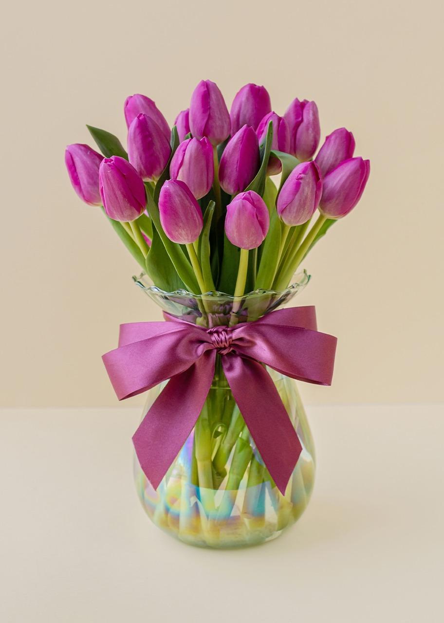 Imagen para 20 tulipanes rosas en jarrón tornasol - 1