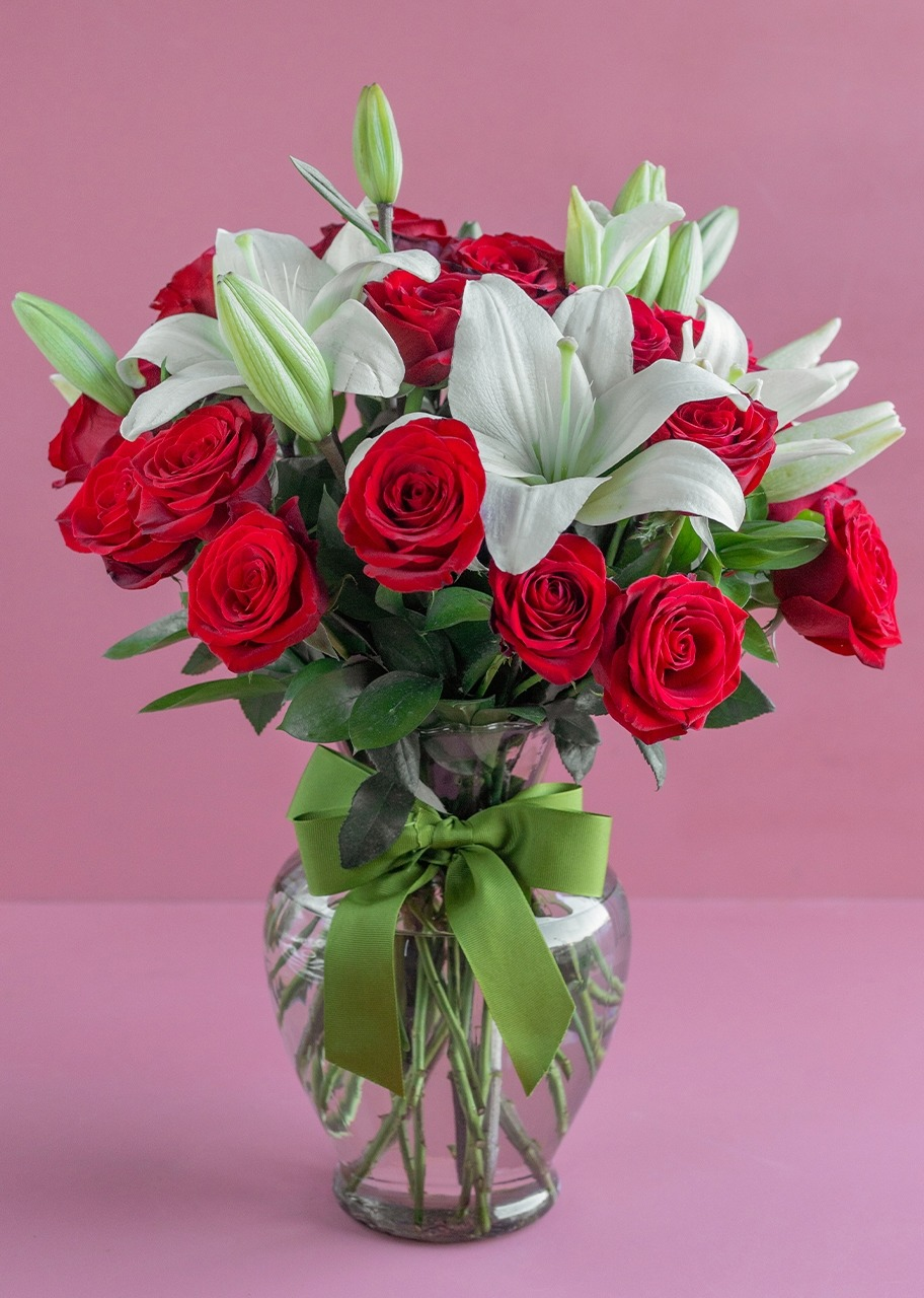 Imagen para 24 fresh Roses and lilies - 1