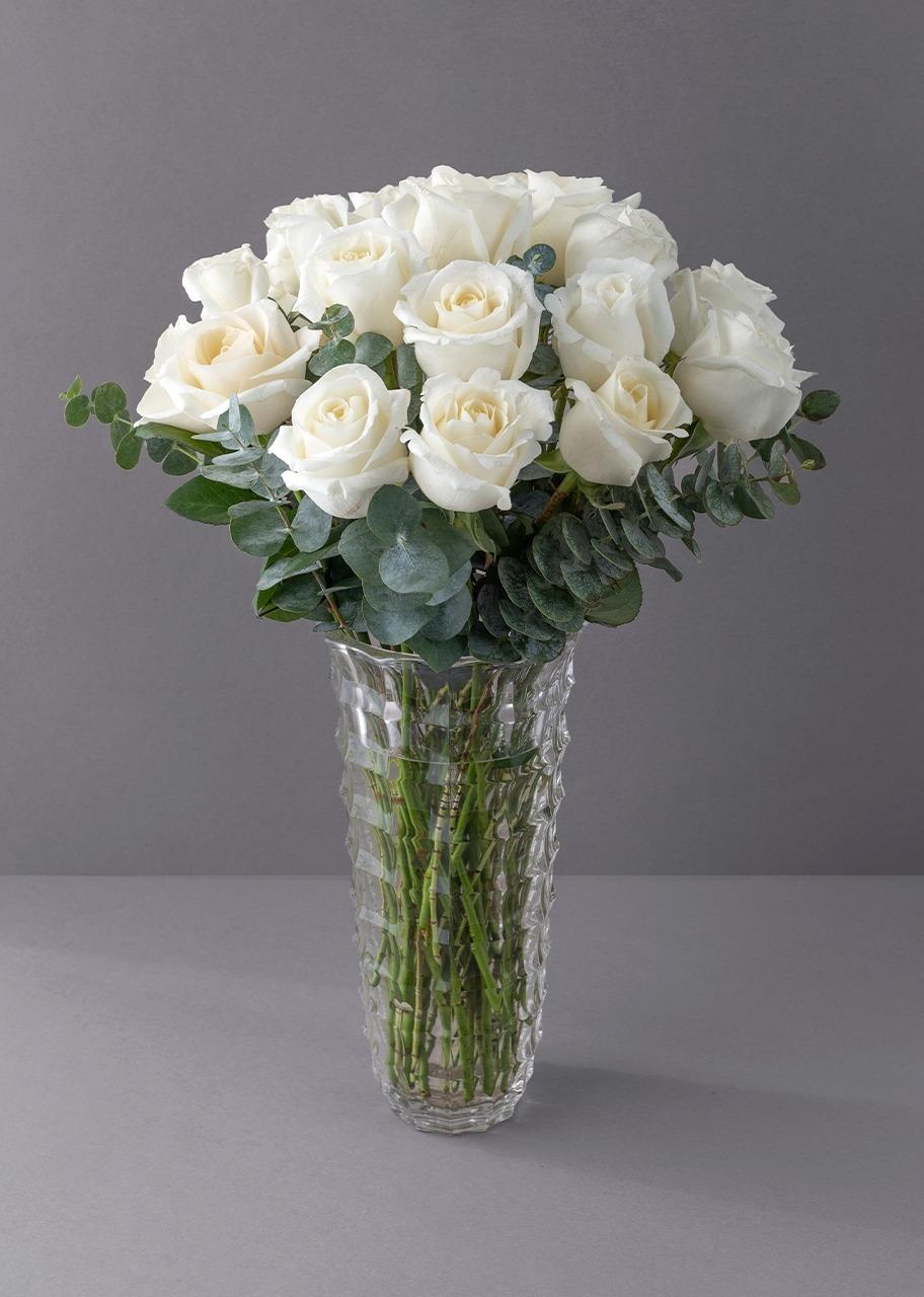 Imagen para 24 Rosas Blancas en Jarrón Imperia - 1