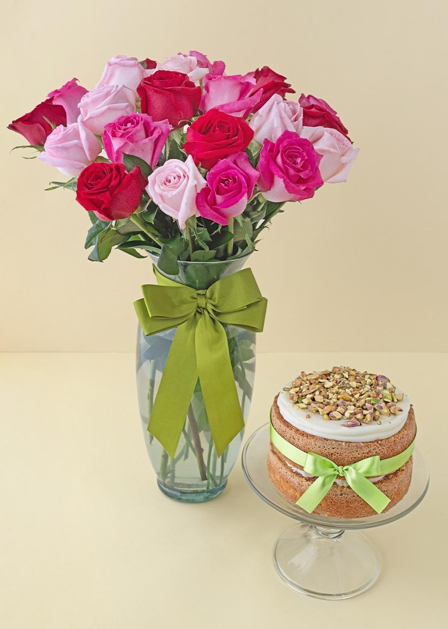 Imagen para 24 Rosas combinadas con pastel pistache - 1
