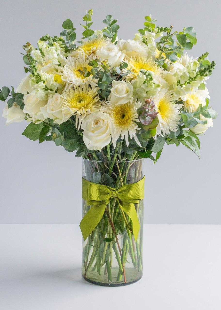 Imagen para 24 Rosas y Flor Spider en Jarrón Grande - 1