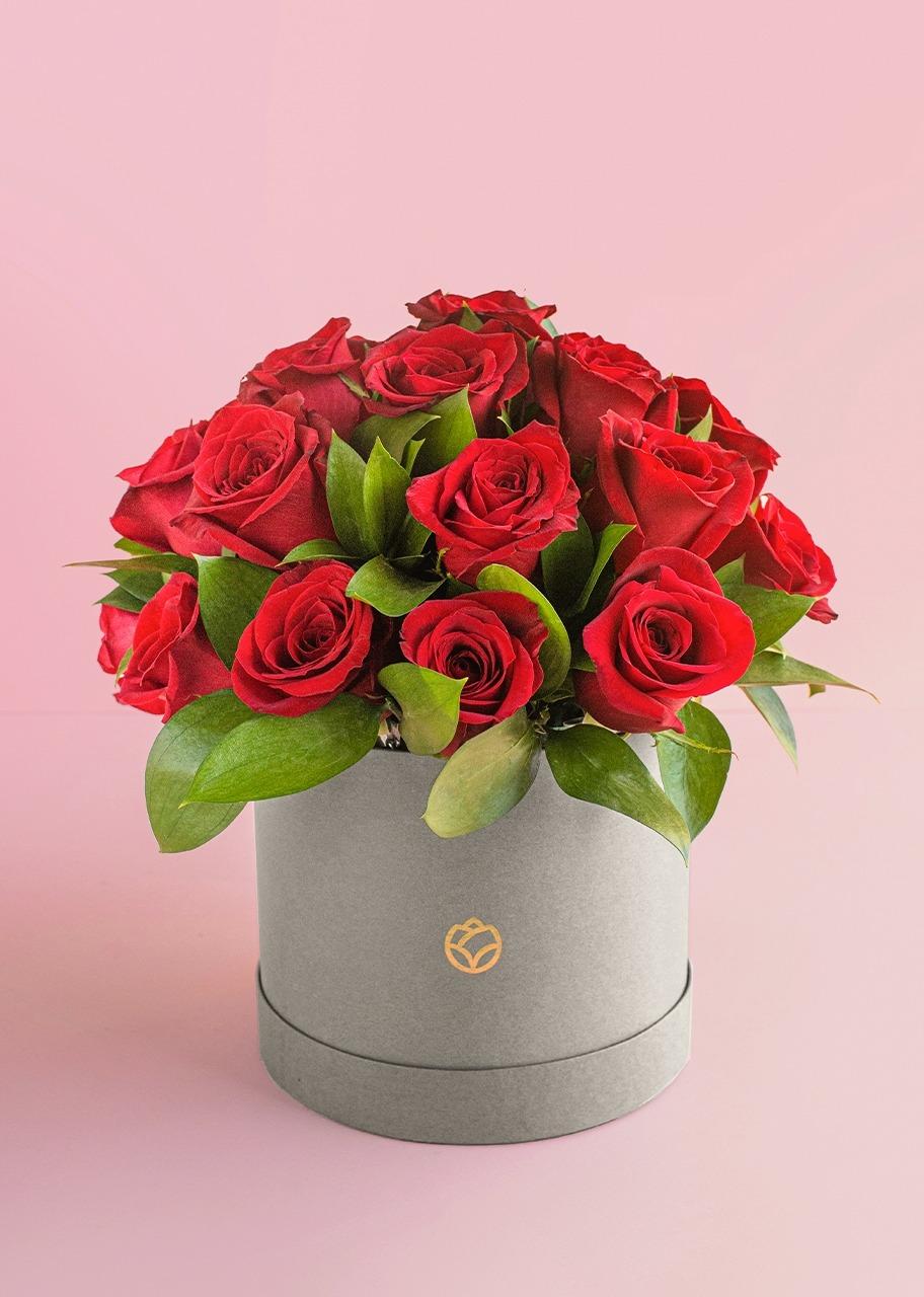 Imagen para 24 rosas rojas en caja - 1