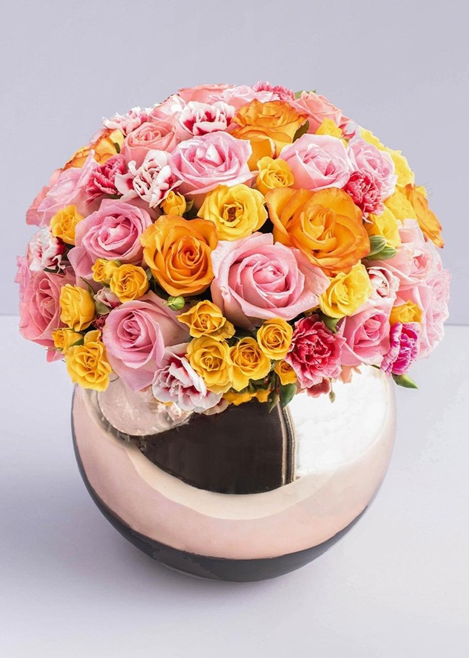 Imagen para 42 Rosas y Mini Rosas en Base Esfera - 1