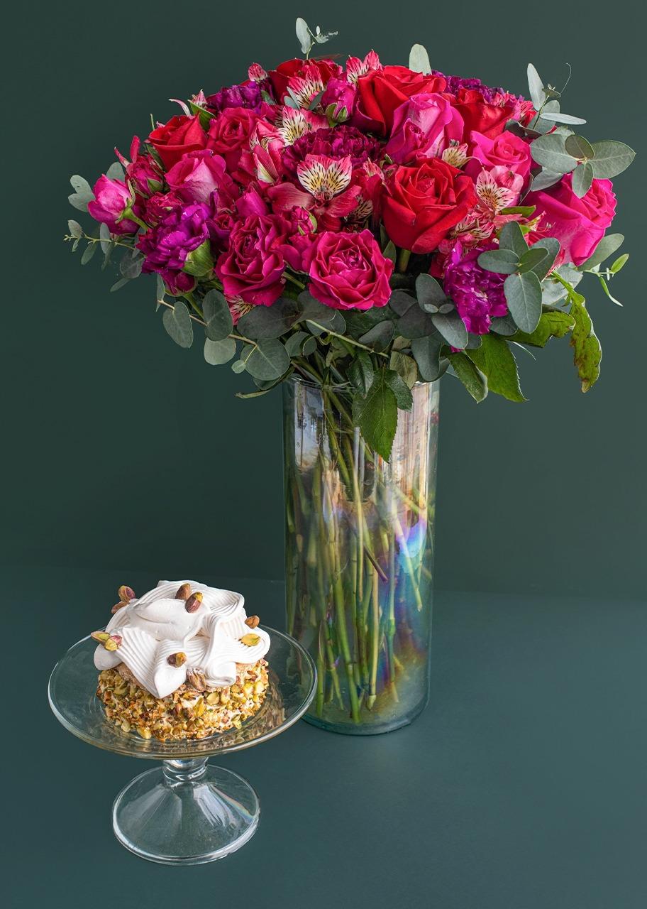 Imagen para Pastel Pistache Ch con Rosas en Jarrón - 1