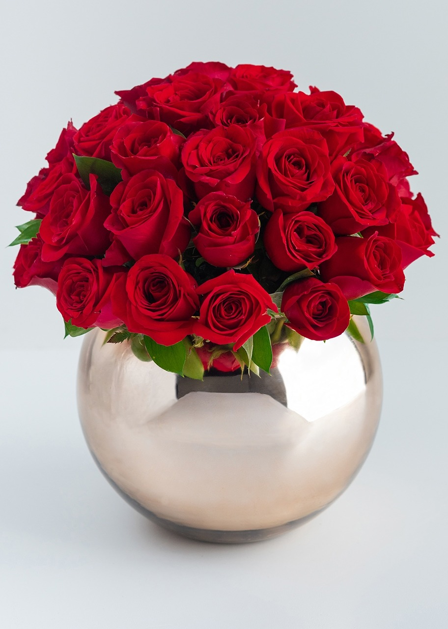 Imagen para 50 Red Roses with Base - 1