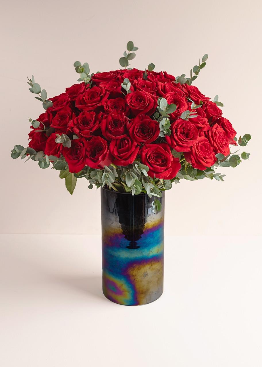 Imagen para 50 Rosas Rojas en Jarrón negro tornasol - 1