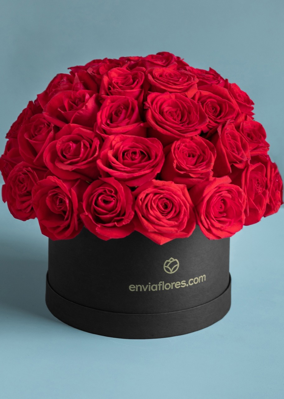 Imagen para Flower Box with 50 Red Roses - 1
