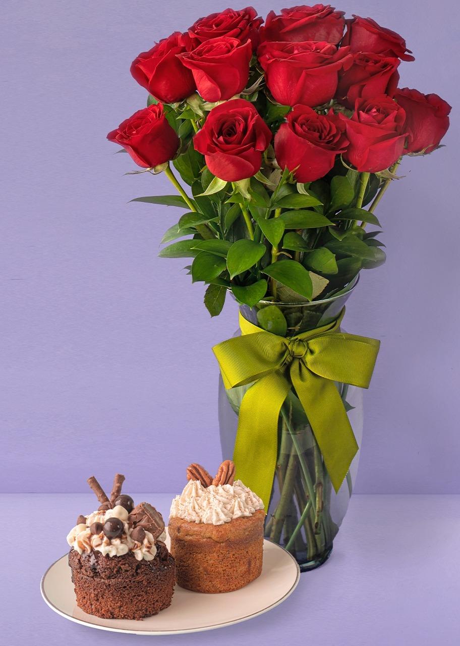 Imagen para 12 Rosas Rojas con 2 pasteles individuales - 1