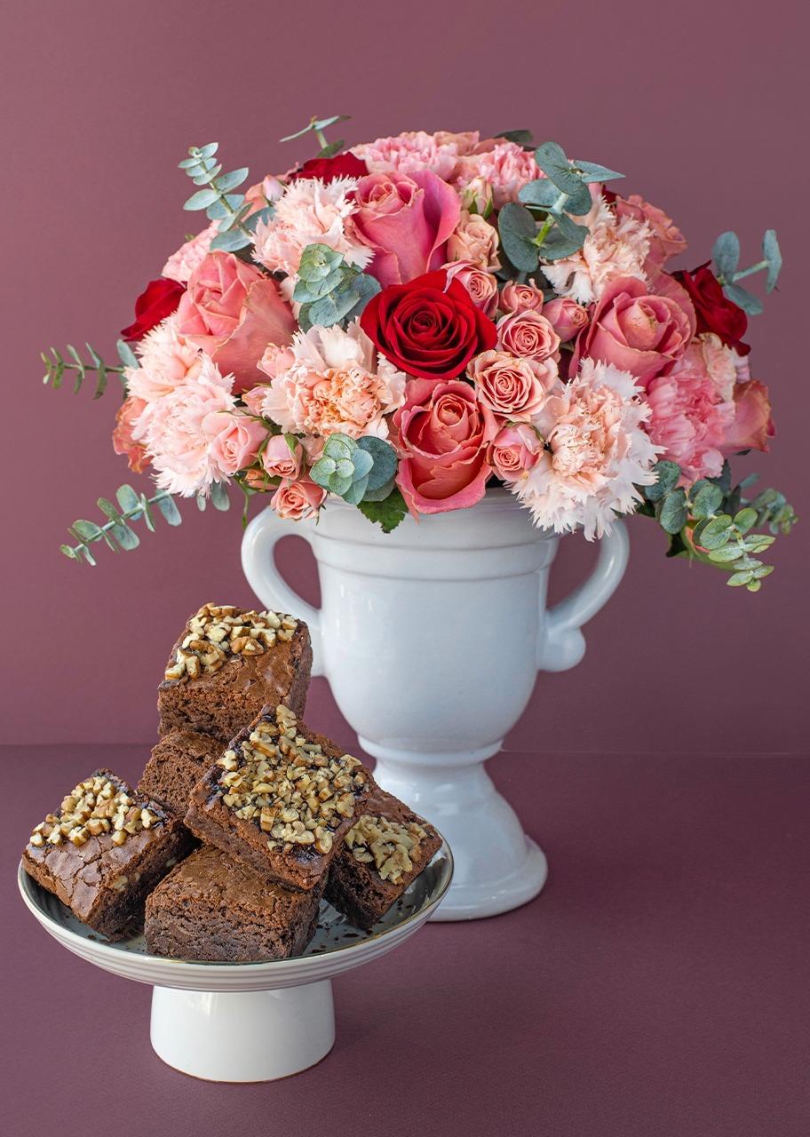 Imagen para Rosas y mini rosas con brownies 6 piezas - 1
