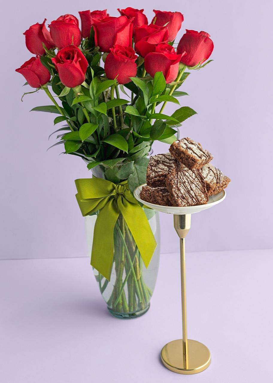 Imagen para 12 Rosas Rojas con brownies 6 piezas - 1