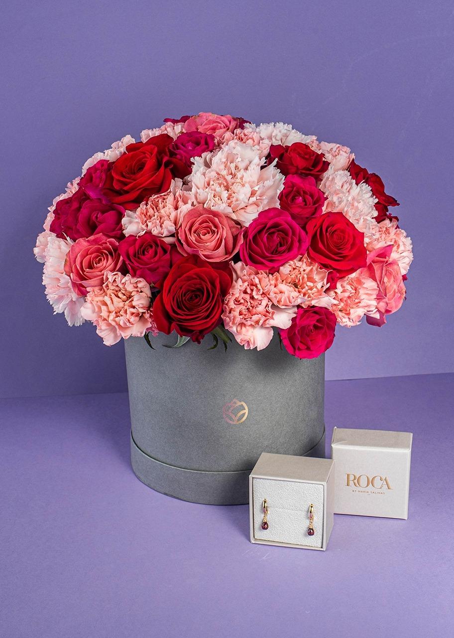 Imagen para Aretes del mes con caja de rosas - 1