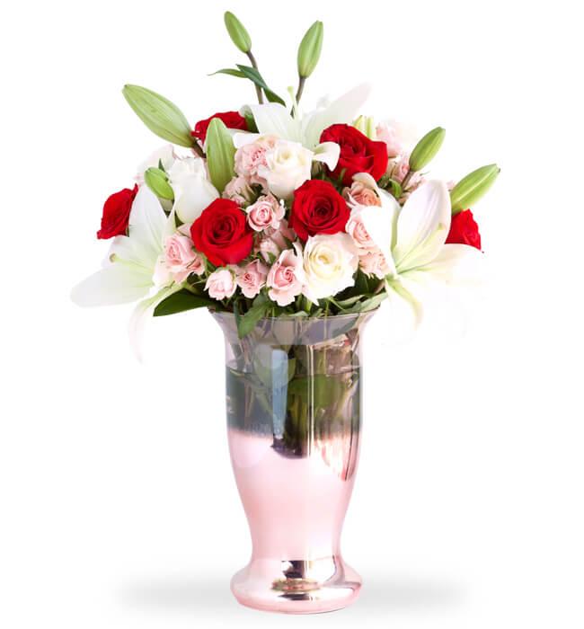 Imagen para 16 Rosas y Lilys en Jarrón - 1