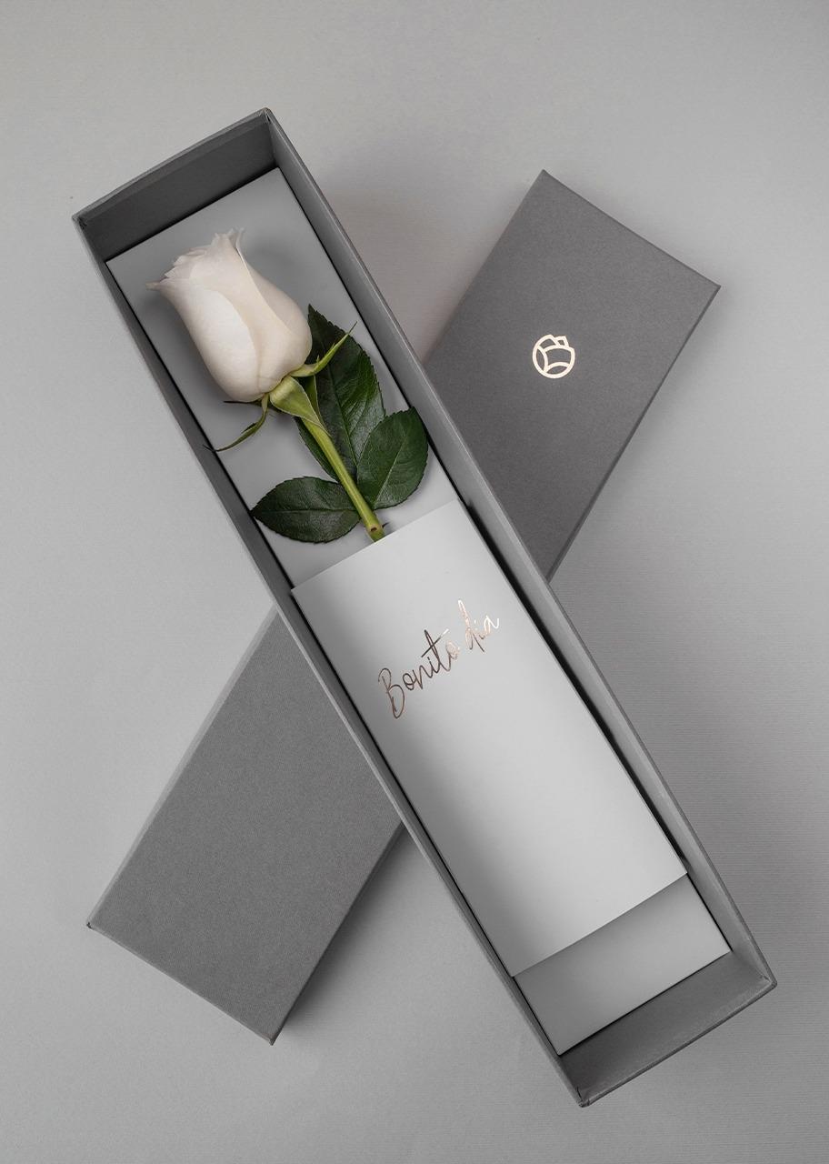 Imagen para Rosa Blanca en caja - 1