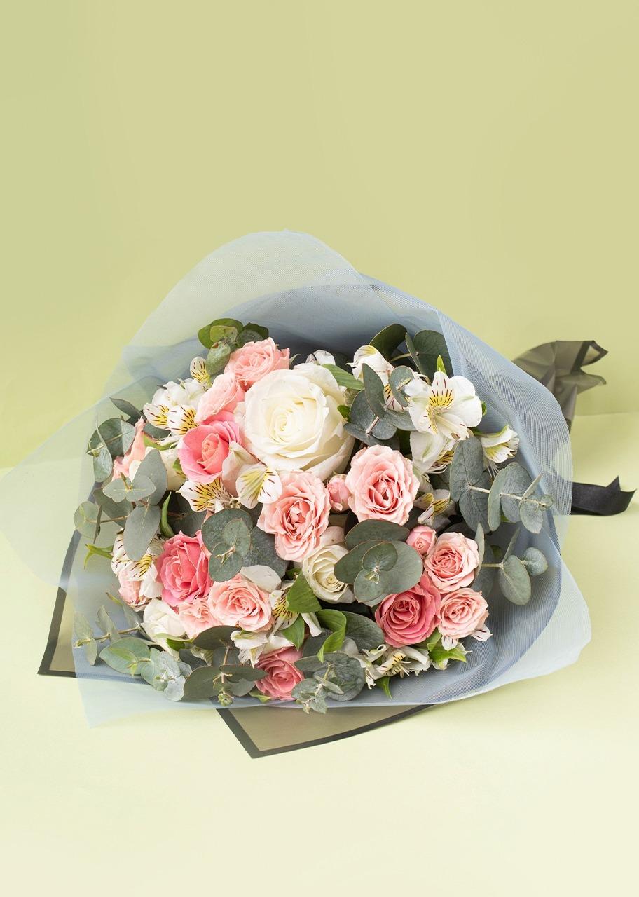 Imagen para Ramo de 8 Rosas y Mini Rosas - 1