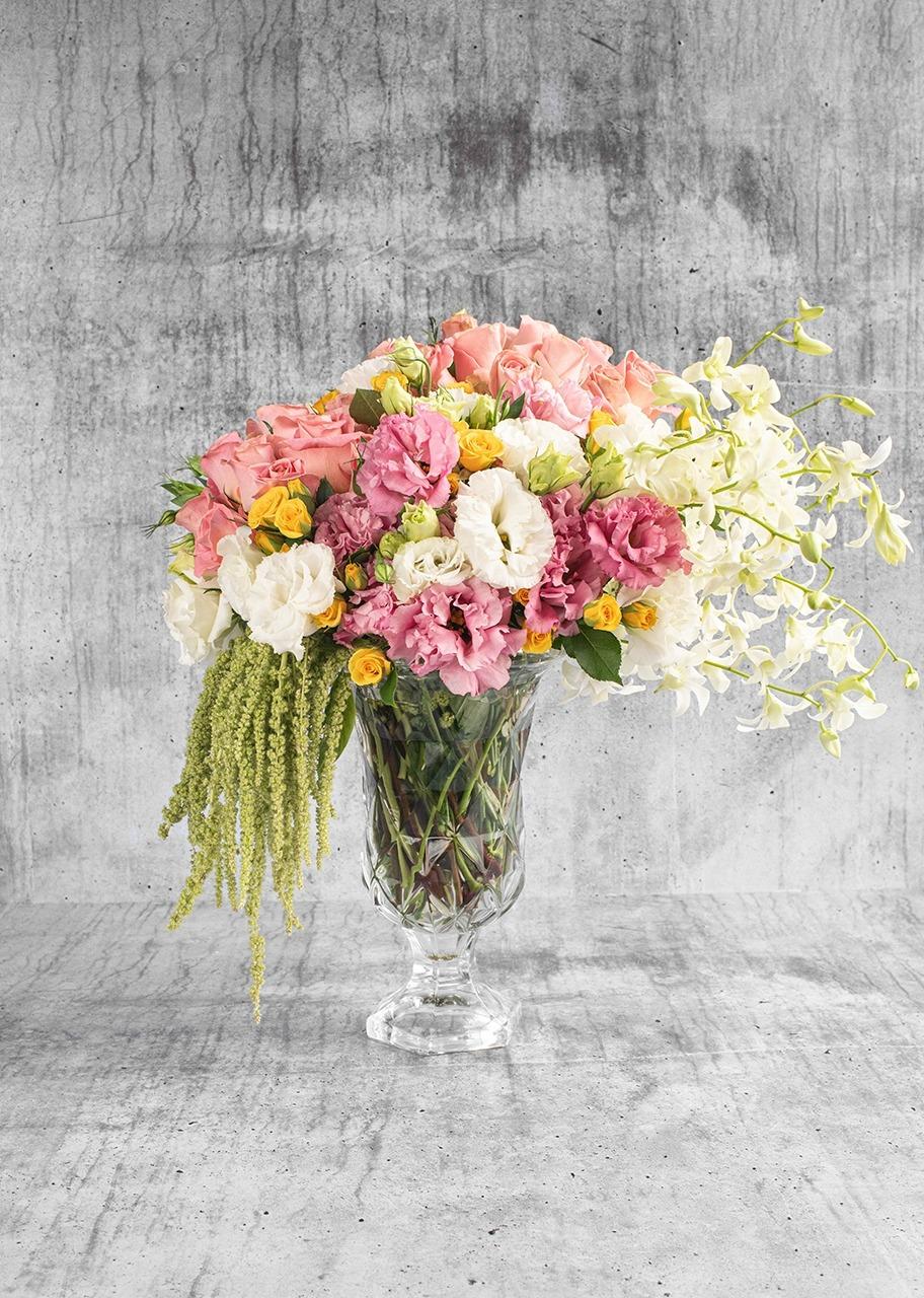 Imagen para Rosas rosas y lisianthus en copa de vidrio - 1