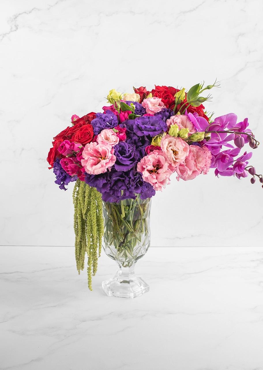 Imagen para Rosas rojas y lisianthus en copa - 1