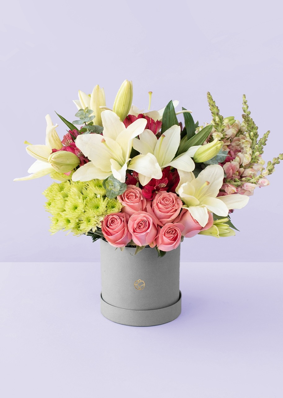 Imagen para 6 Rosas y Lilys en caja gris - 1