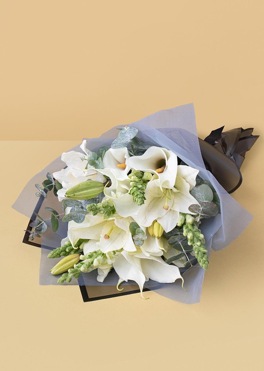 Imagen para 10 Alcatraces y Lilys en ramo - 1