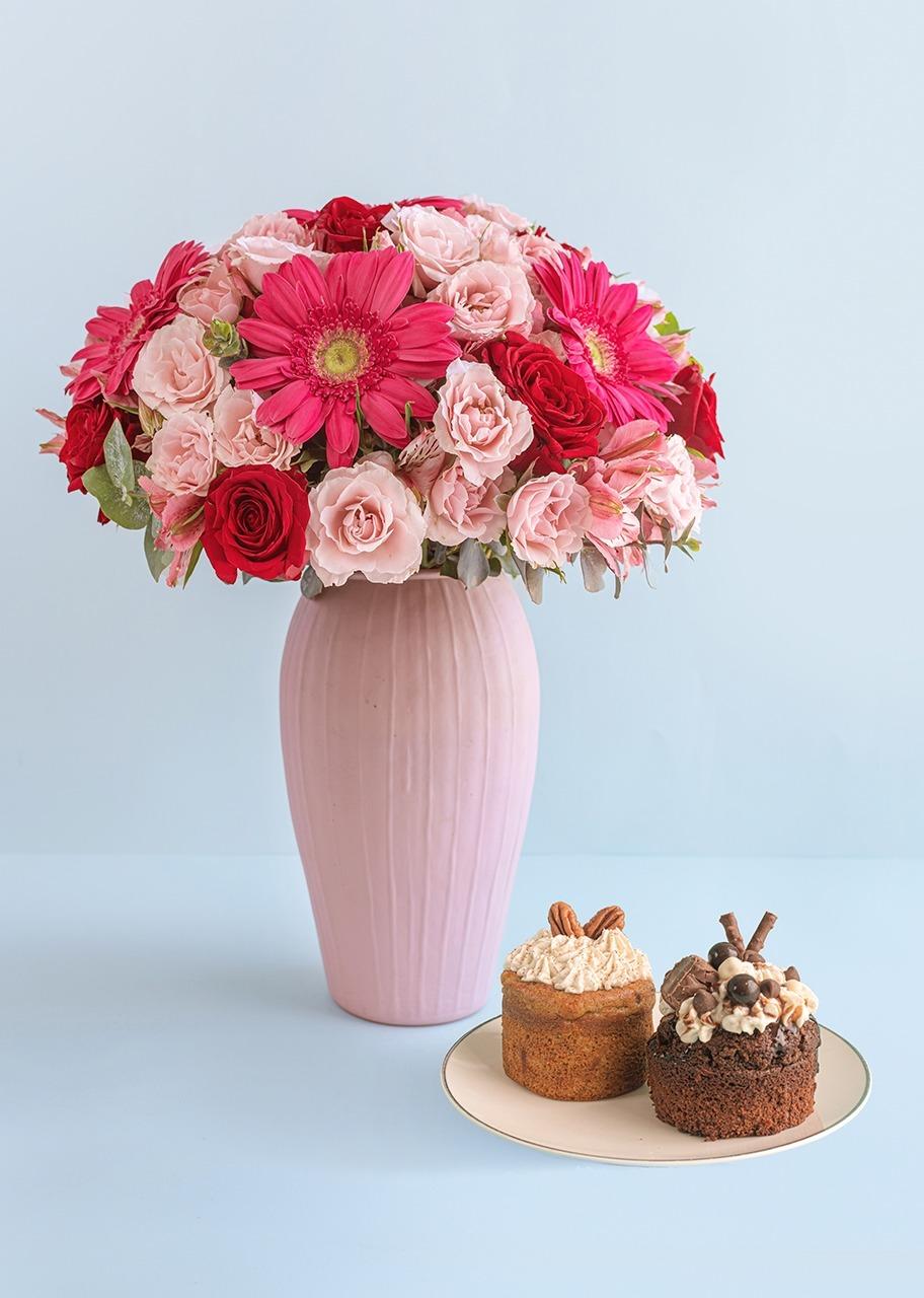 Imagen para Pasteles individuales con rosas y gerberas - 1