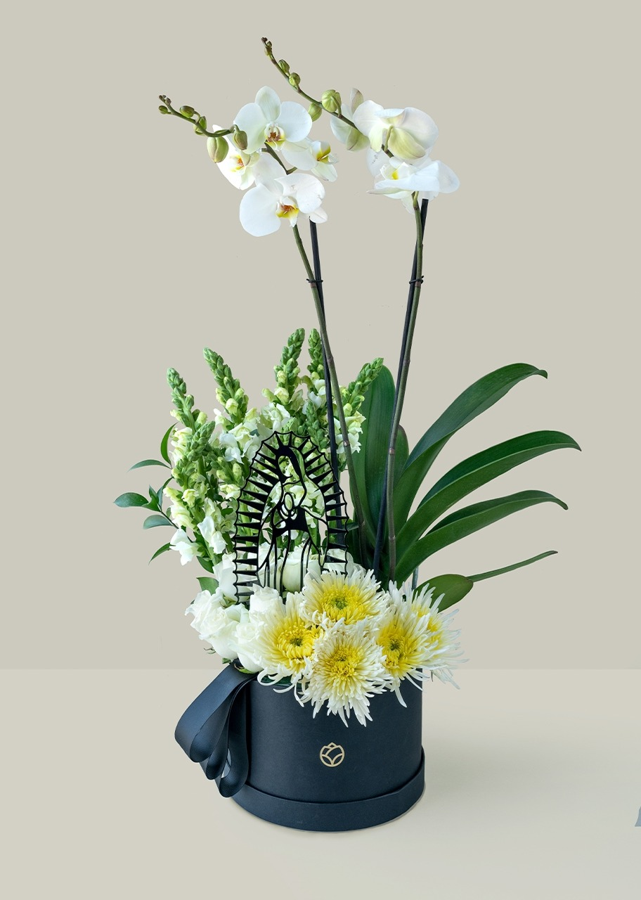 Imagen para Arrangement of the Virgin with White Orchid - 1