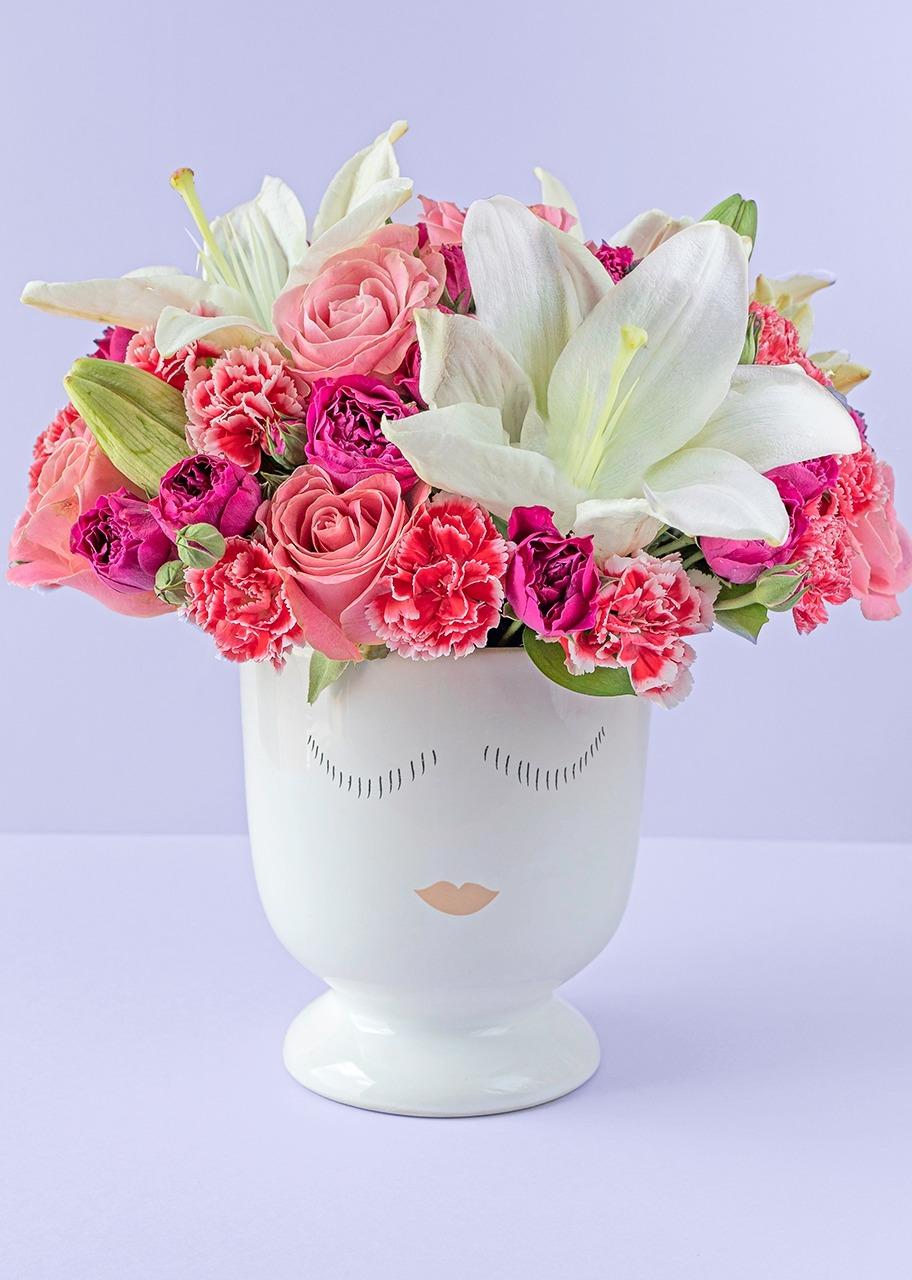 Imagen para 8 Rosas Rosas y Lilys en Base - 1