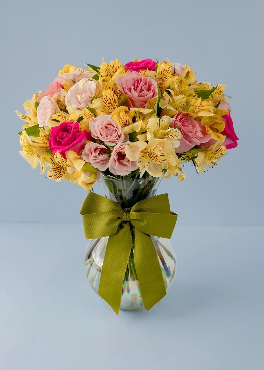 Imagen para 8 Rosas y Mini rosas en Jarrón Tornasol - 1