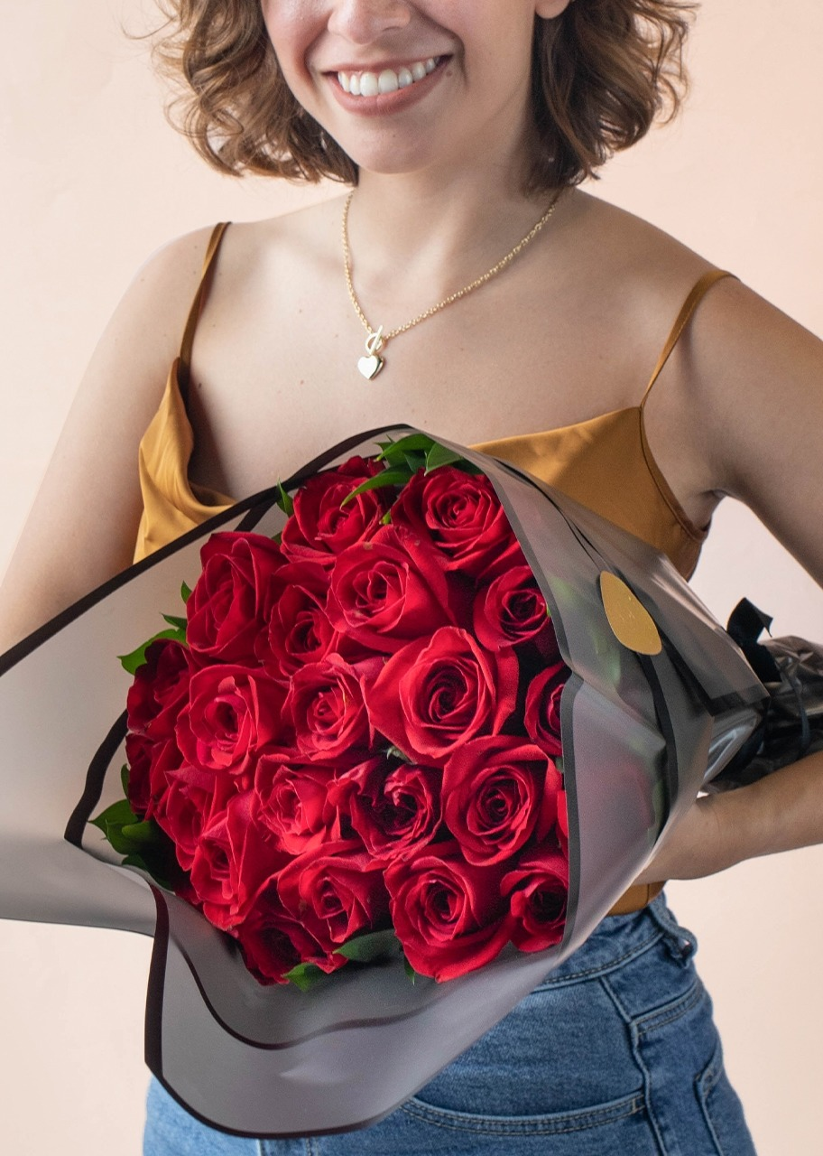Imagen para Maxis Heart Shape Necklace  with Red Rose Bouquet - 1