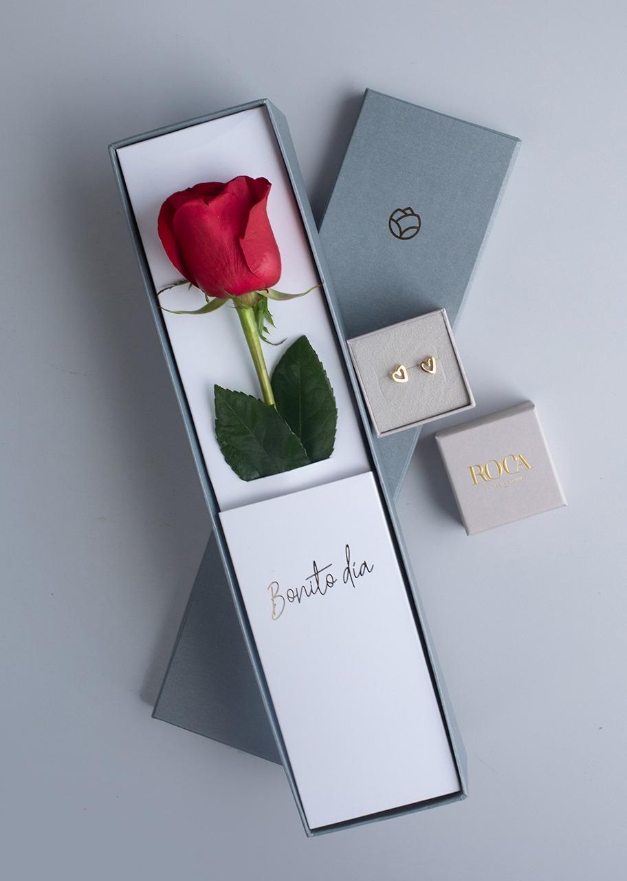Imagen para Aretes de corazón con Rosa en Caja - 1