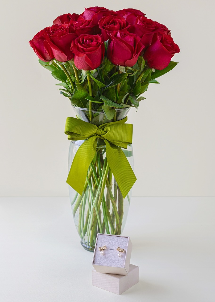 "Imagen para ""Carolina"" earrings with 12 red roses in vase - 1"