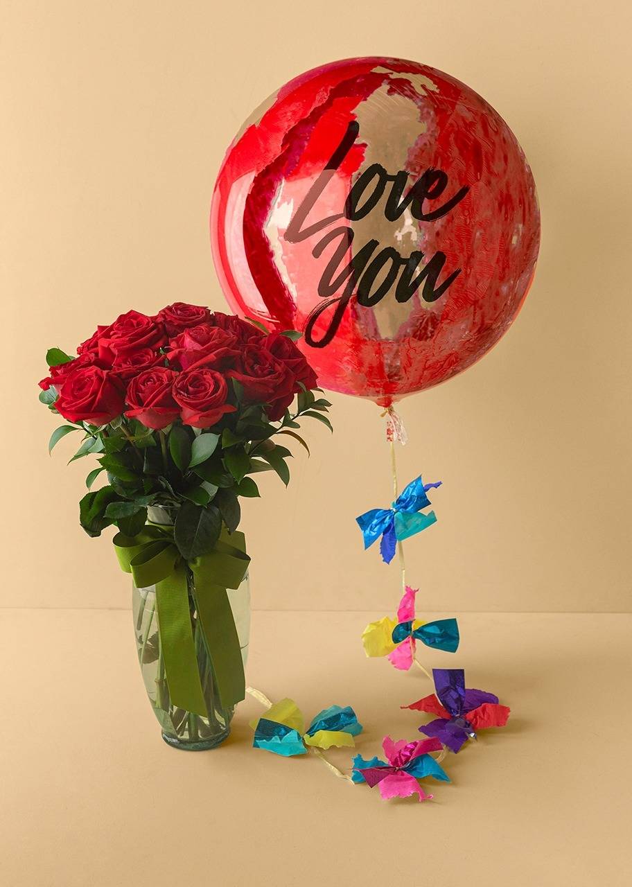 "Imagen para 12 Red Roses Flower Arrangement and ""Love You​"" Balloon - 1"