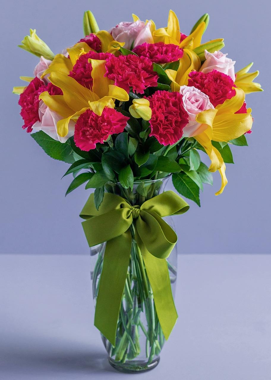 Imagen para Arreglo de 10 Rosas y Lilys - 1