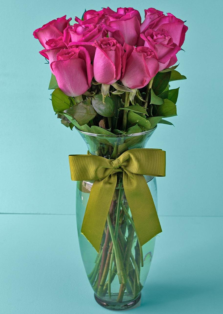 Imagen para Arreglo de 12 Rosas Fucsia - 1