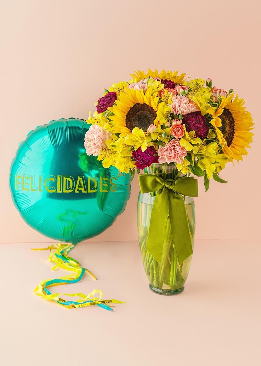 """Imagen para Arrangement of Sunflowers with """"Congratulations"""" Balloon - 1"""