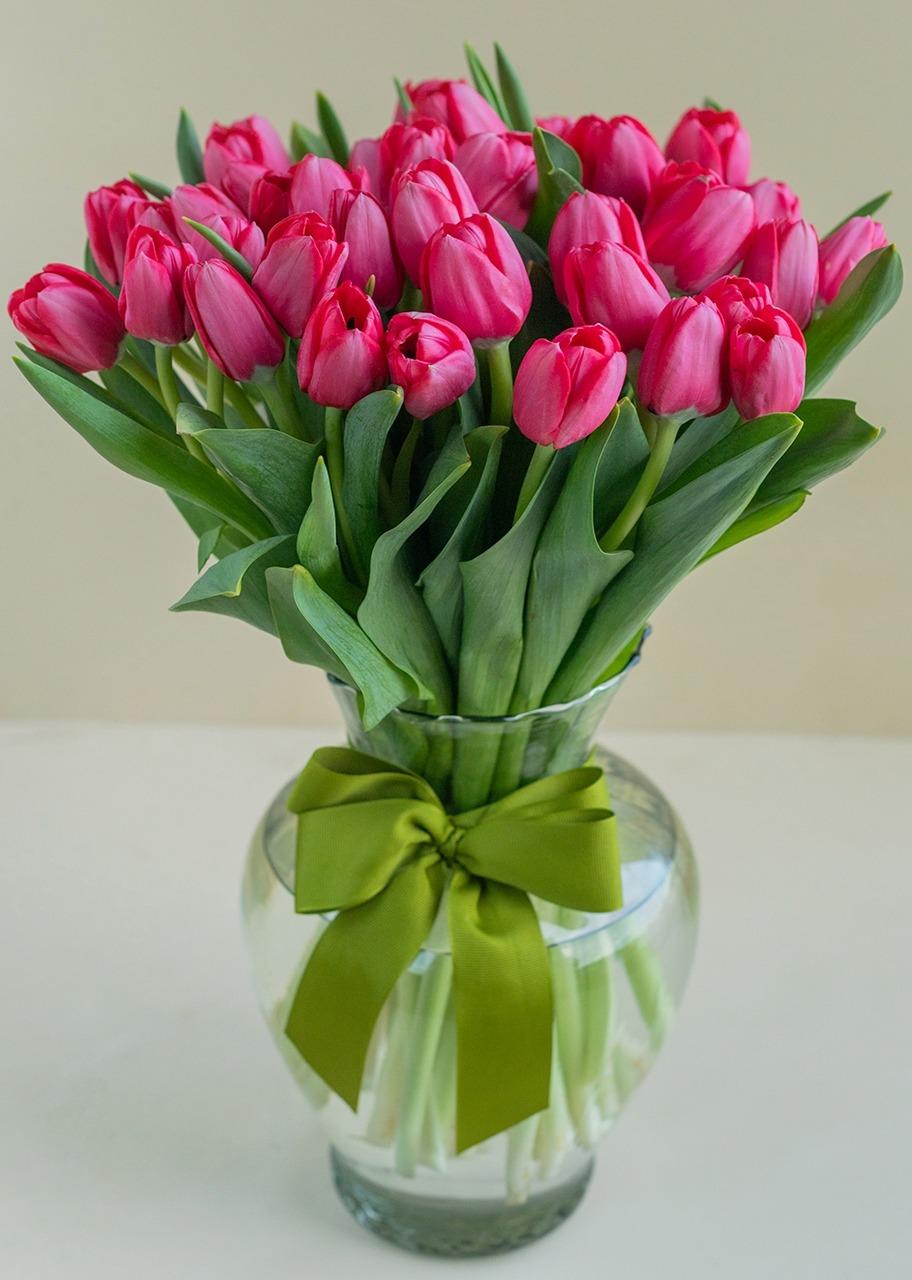 Imagen para Arreglo de Tulipanes Rojos 40 Corazones - 1