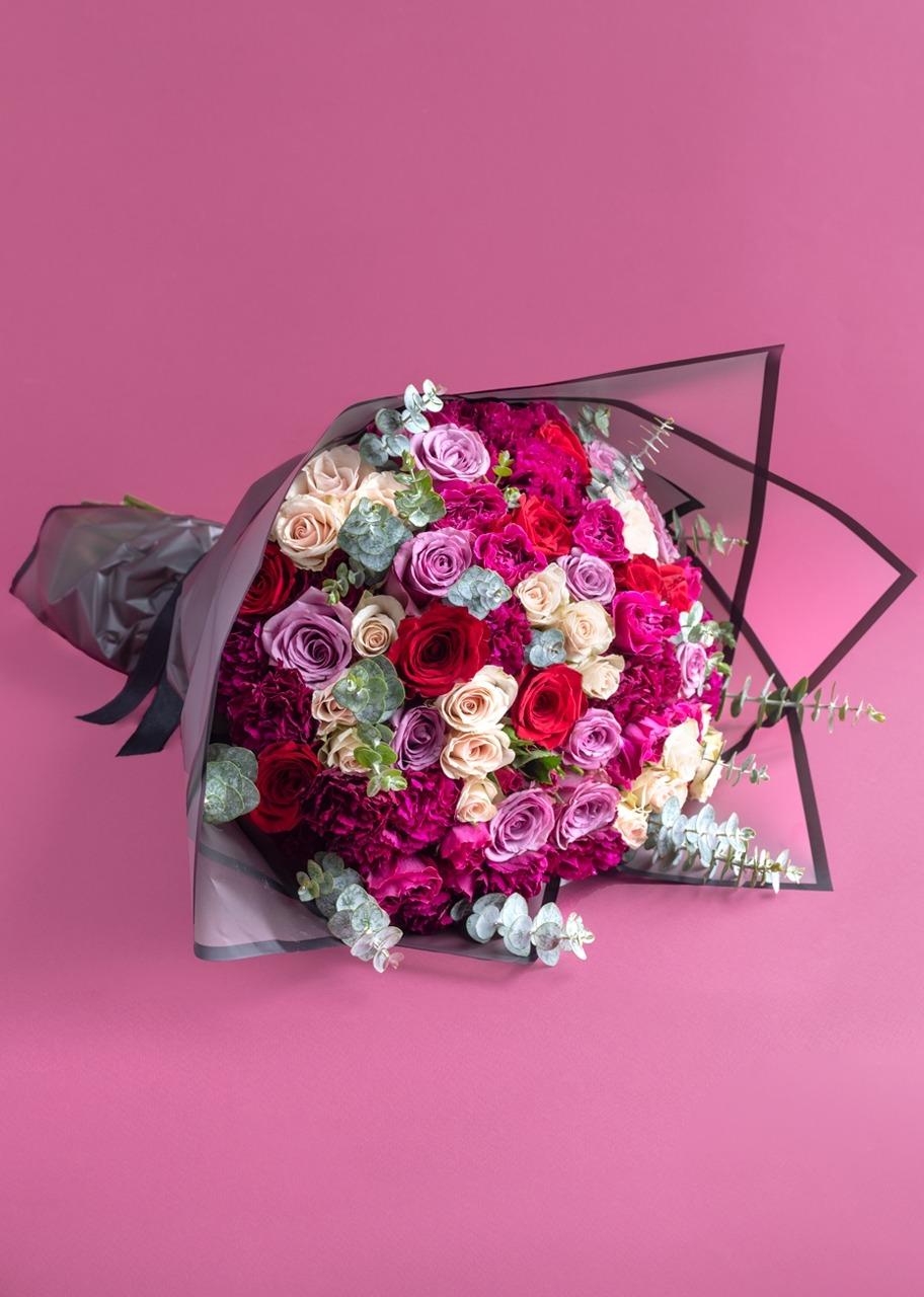 Imagen para Ramo grande de rosas de colores y mini rosas - 1