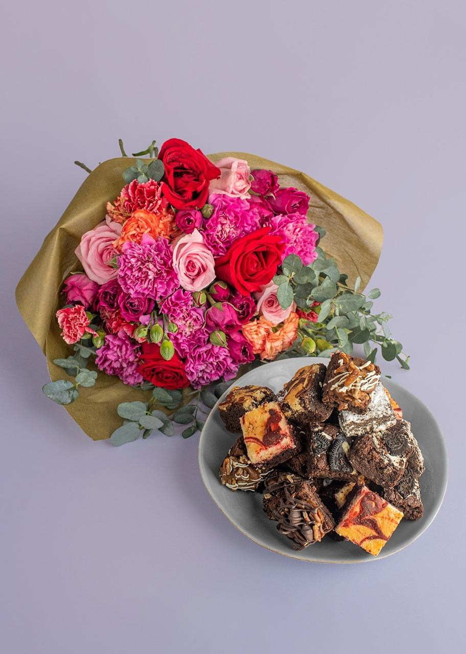 Imagen para Mini Brownies 15 pz La Divinata con Ramo - 1