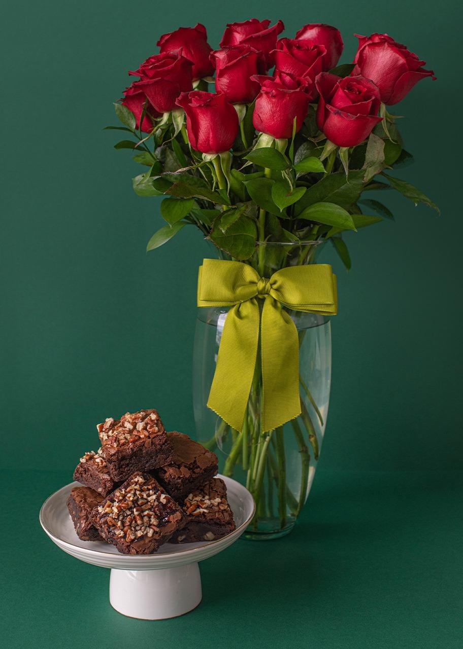 Imagen para Brownies 6 pz con 12 Rosas - 1