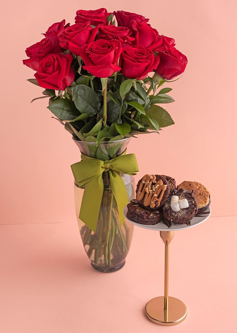 Imagen para Clásico Amor con 12 Rosas Rojas y brownies - 1