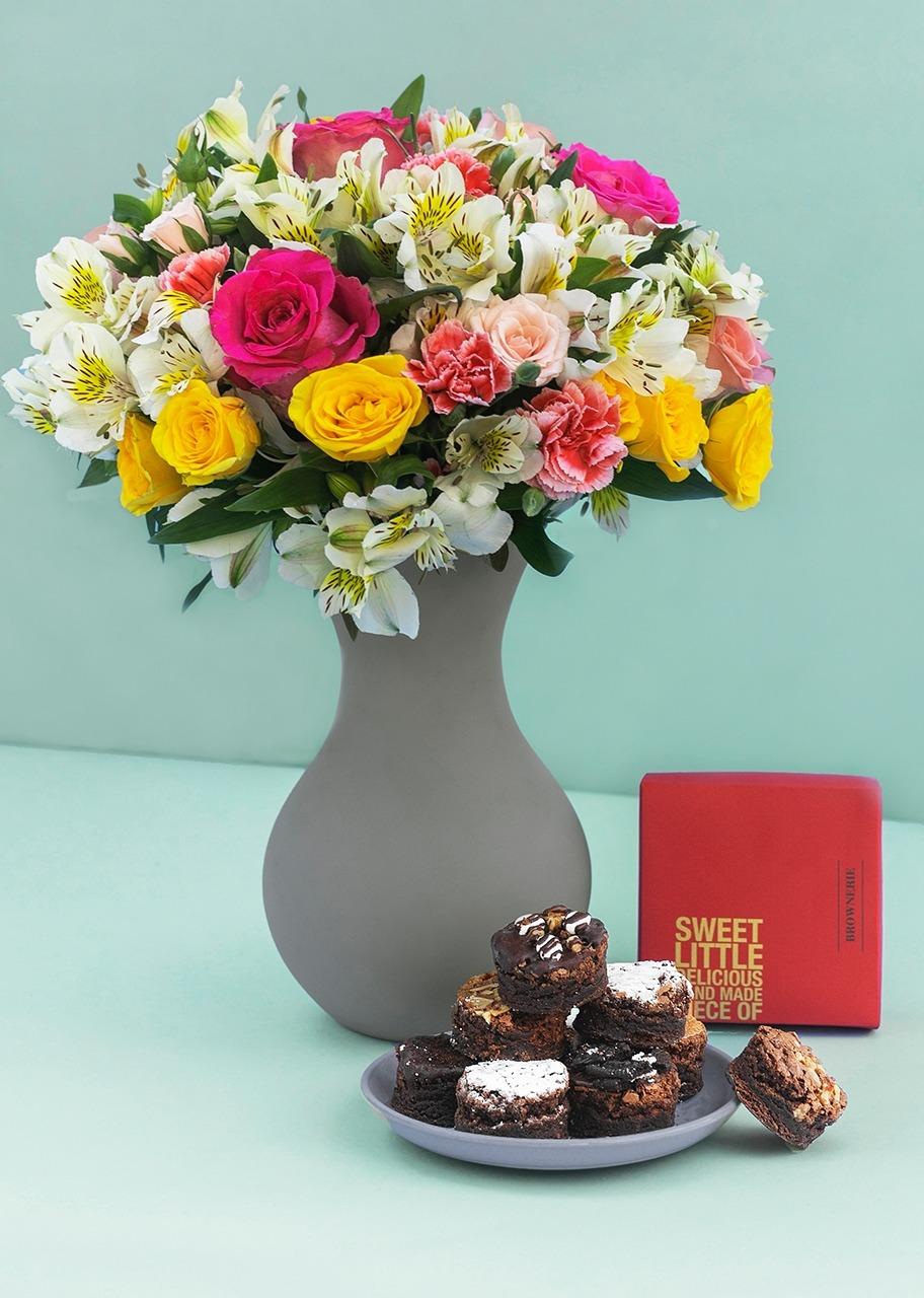 Imagen para Brownies 8 pz con Arreglo Floral - 1