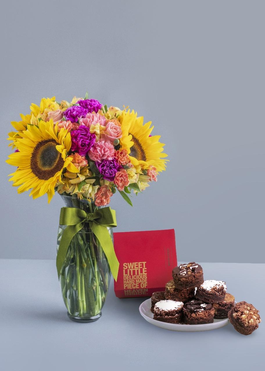 Imagen para Brownies 8 pz con Arreglo de Girasoles - 1