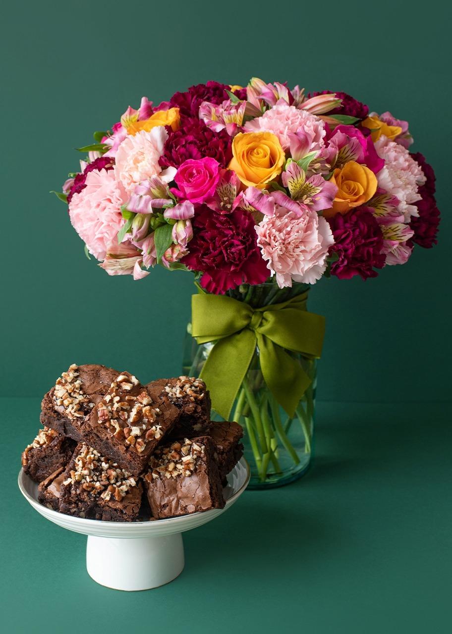 Imagen para Brownies 9 pz con Arreglo de Rosas - 1