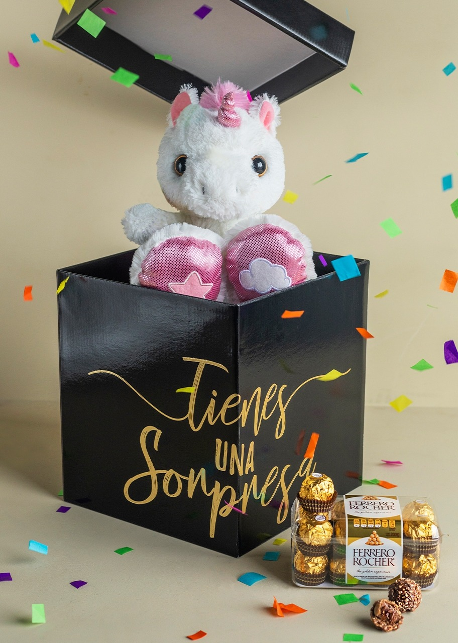 Imagen para Unicorn Stuffed Animal in Surprise Box - 1